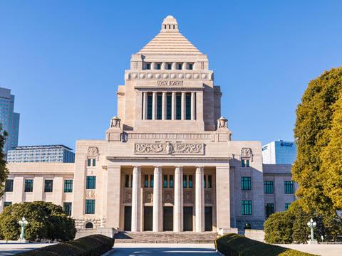 駅からハイキング 神田駅~千駄ヶ谷駅コース